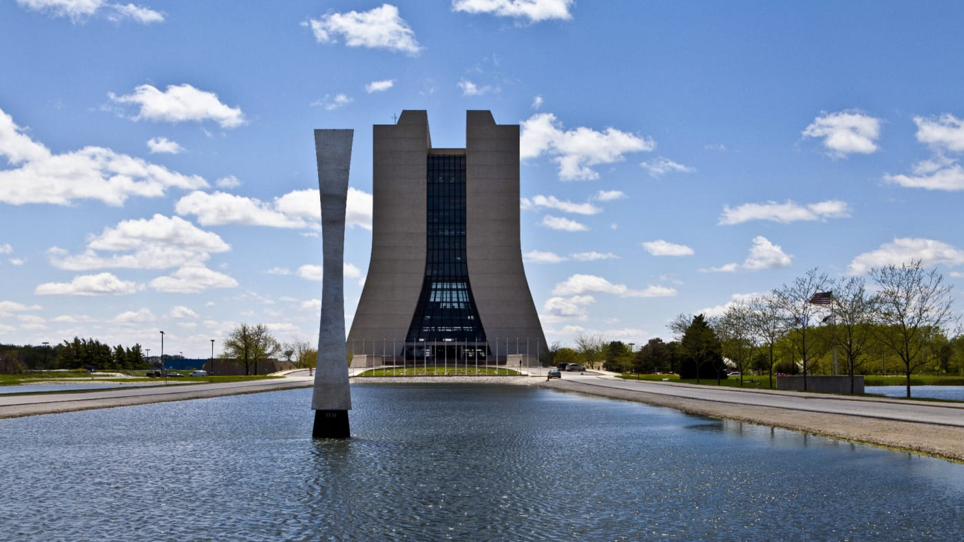 "Fermilab and Robert R. Wilson's ""Acqua Alle Funi"" sculpture."