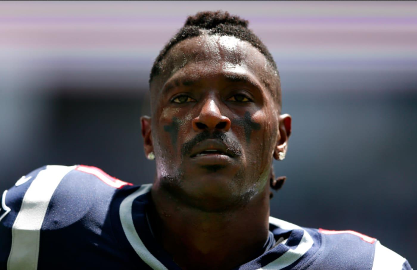 Antonio Brown #17 of the New England Patriots