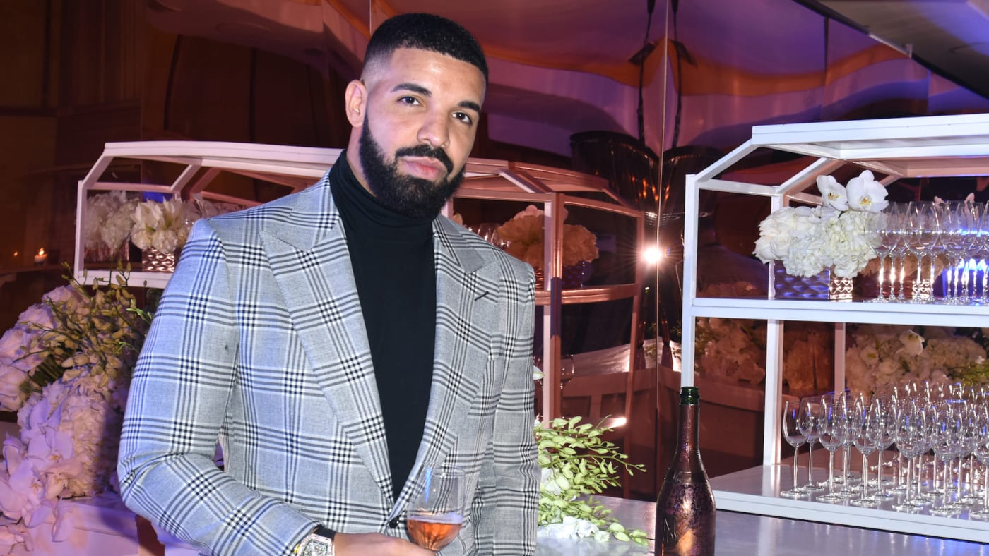 Drake at a Mod Selection sponsored New Year's Eve party