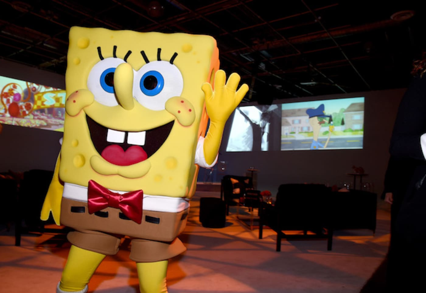 WHO lives in a pineapple under the sea???