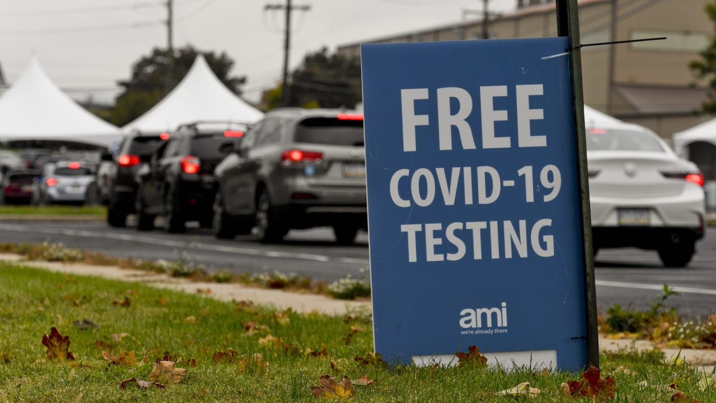 """A sign that reads """"Free COVID 19 Testing""""."""
