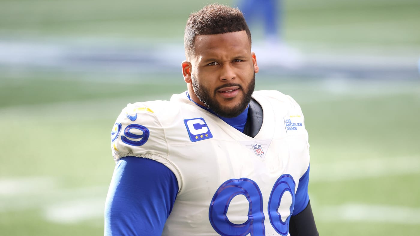 Aaron Donald #99 of the Los Angeles Rams looks on