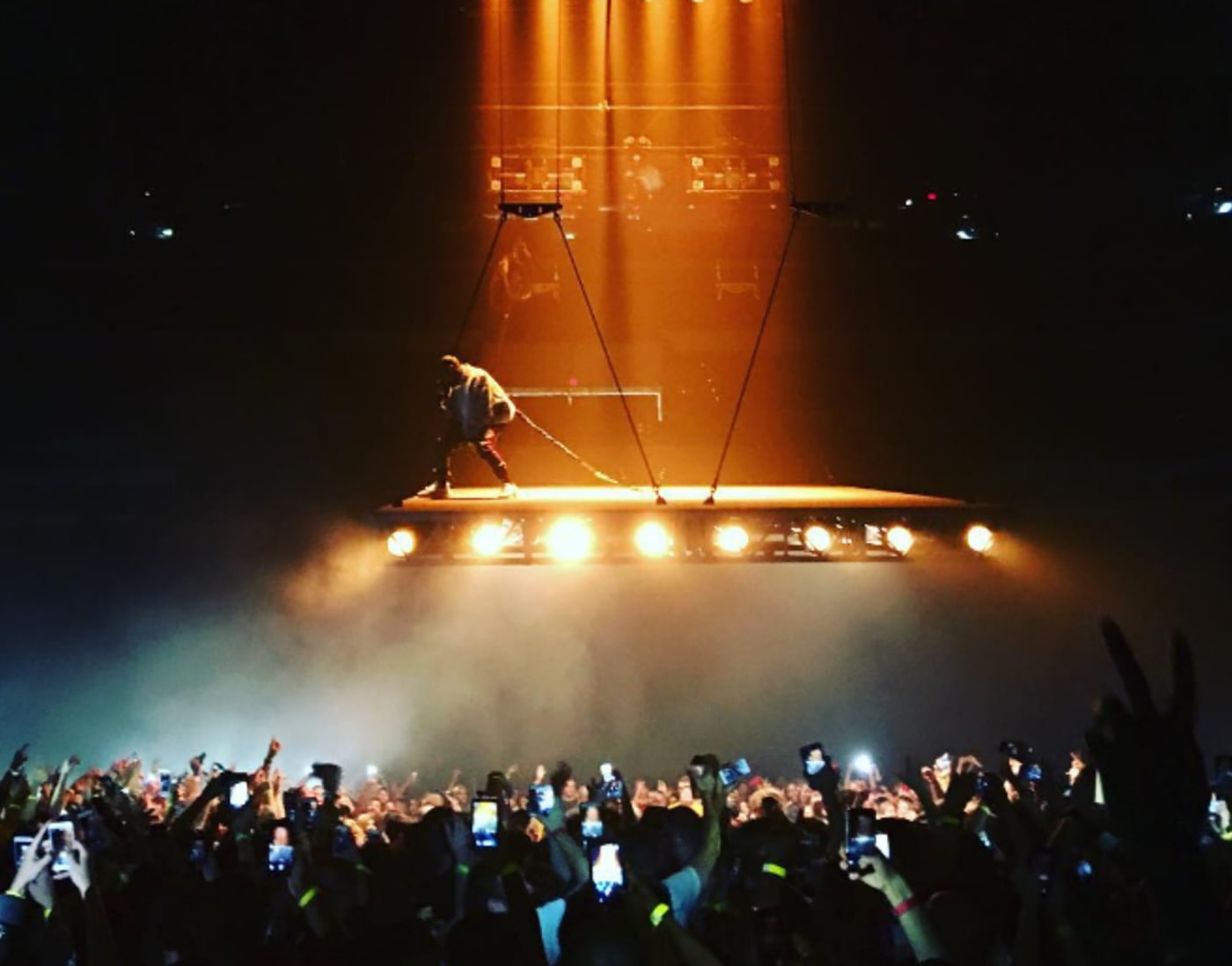 This is the thumbnail for a post on Kanye West's tour.
