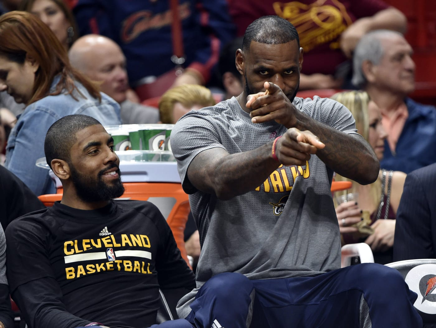 LeBron James Kyrie Irving Bench Cavs Heat 2017