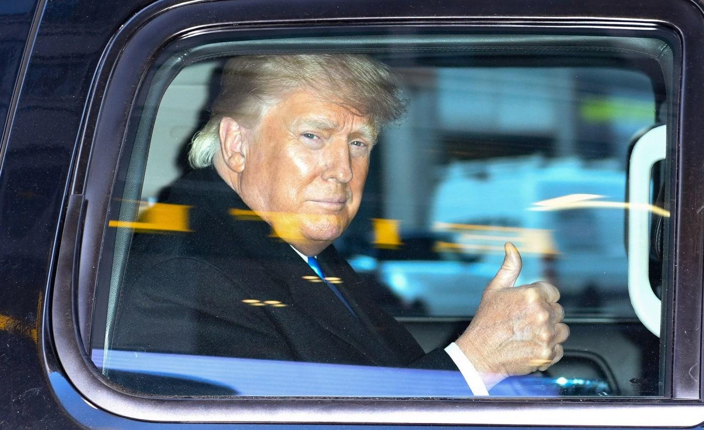 Donald Trump in SUV