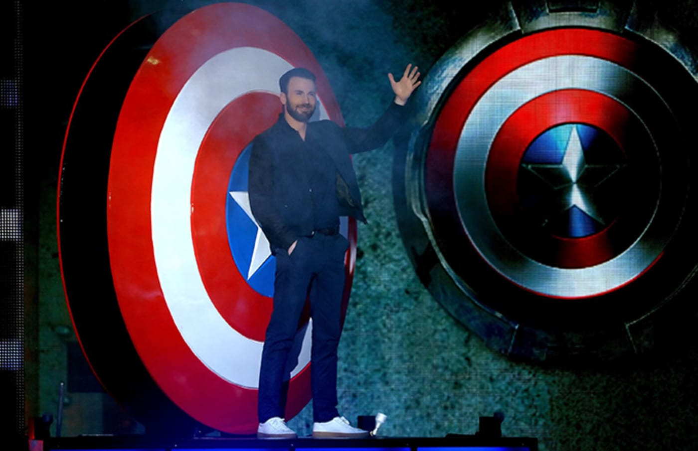 This is a photo of Chris Evans.