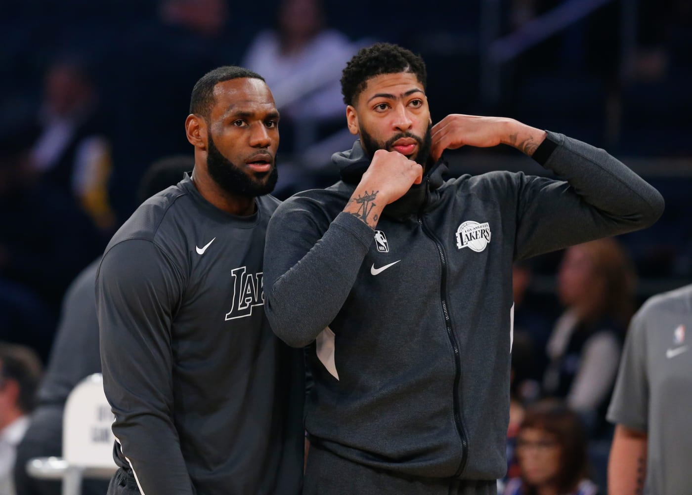 LeBron James Anthony Davis Lakers knicks 2020 Staples