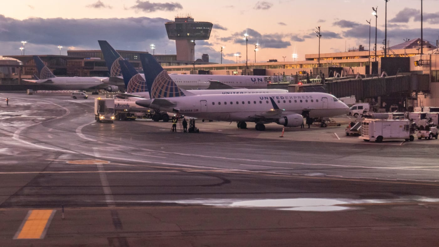 United Express planes