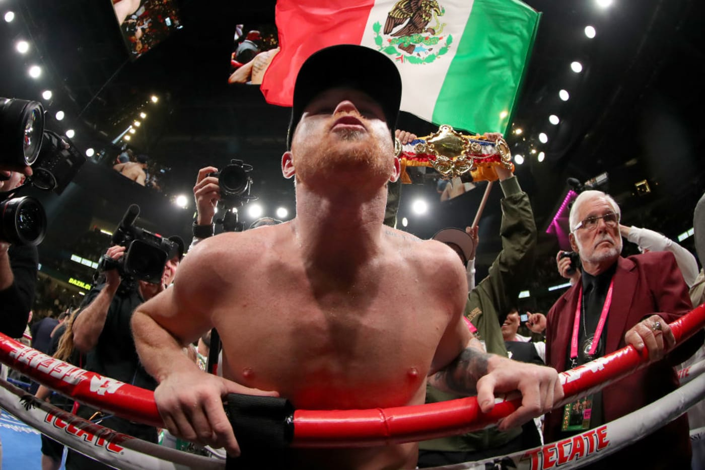 Canelo Win UD Jacobs 2019 Getty