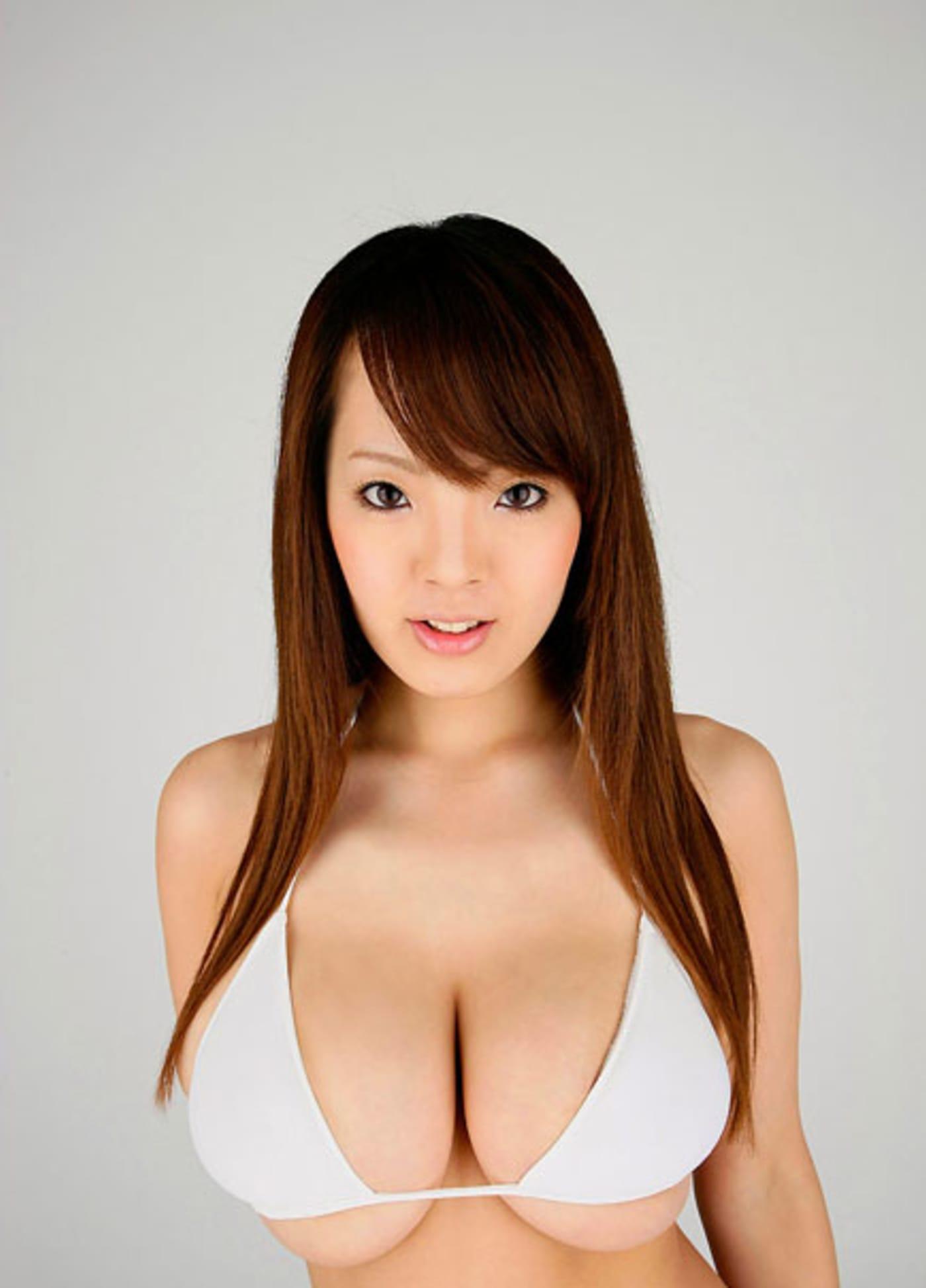 Hitomi Tanaka Image