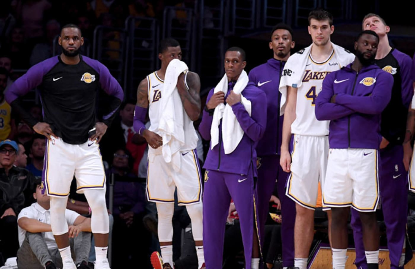 Lakers bench