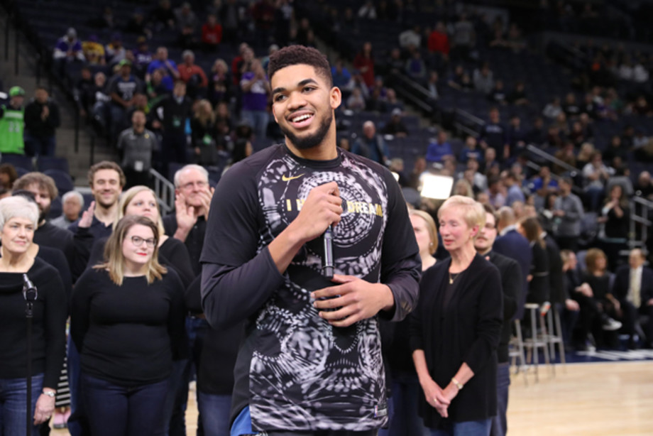 Minnesota Fans Bombard Karl Anthony Towns With Tweets After He