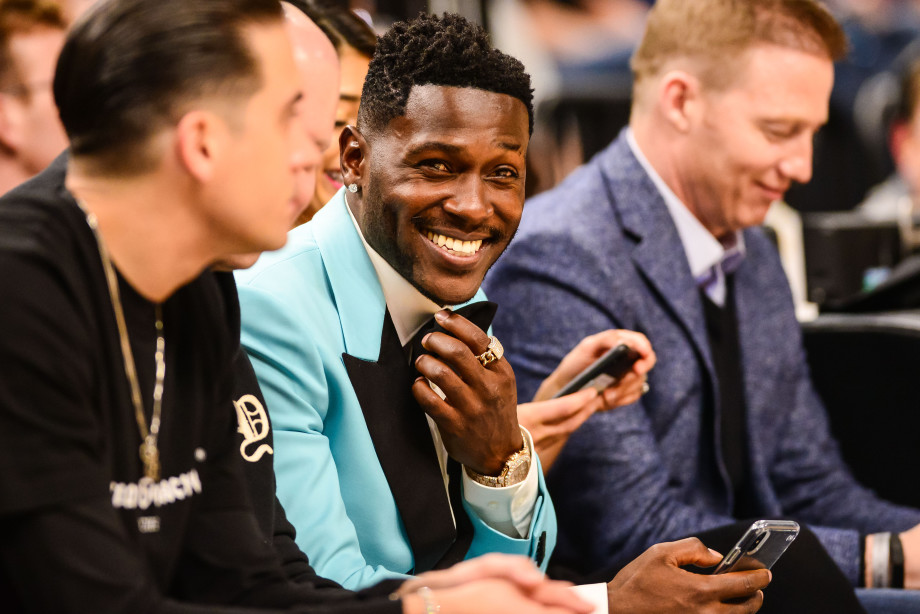 Antonio Brown Courtside Pelicans Wolves 2018
