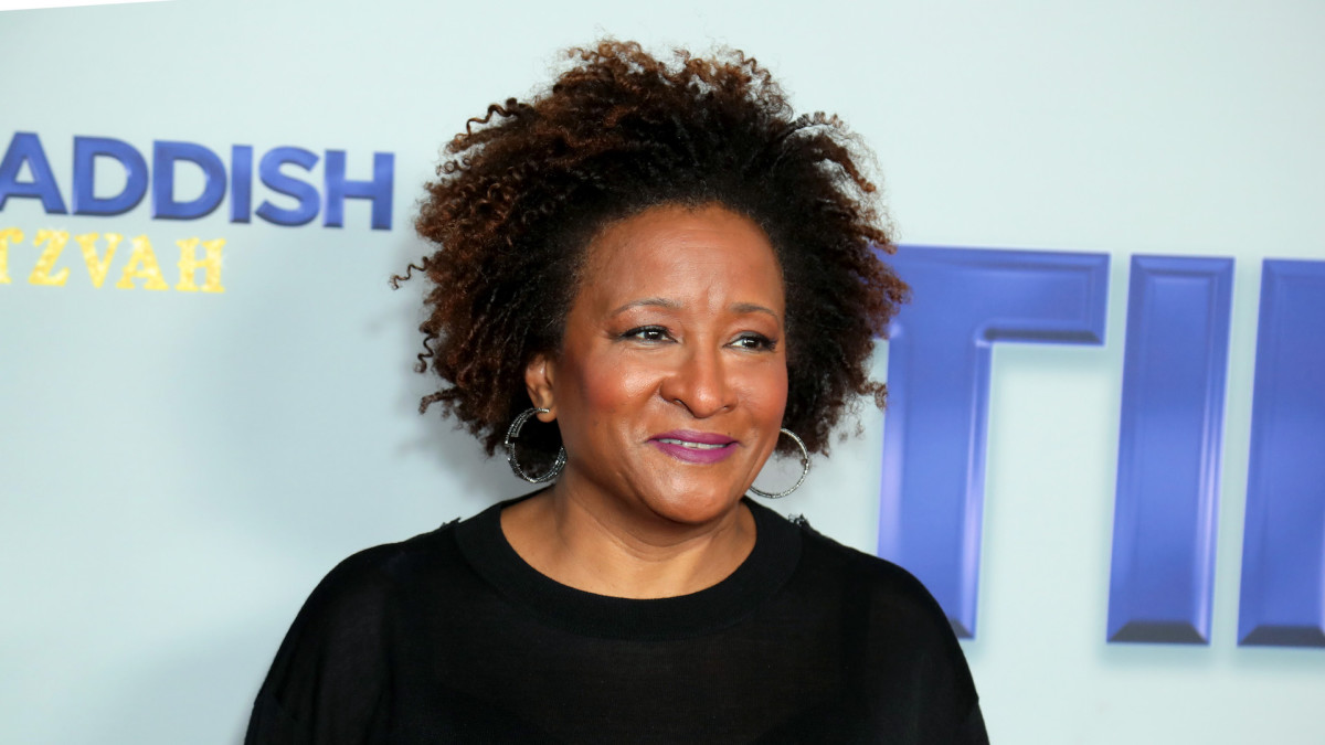 Wanda Sykes Claps Back at Scott Baio for Questioning Her Support of Joe Biden