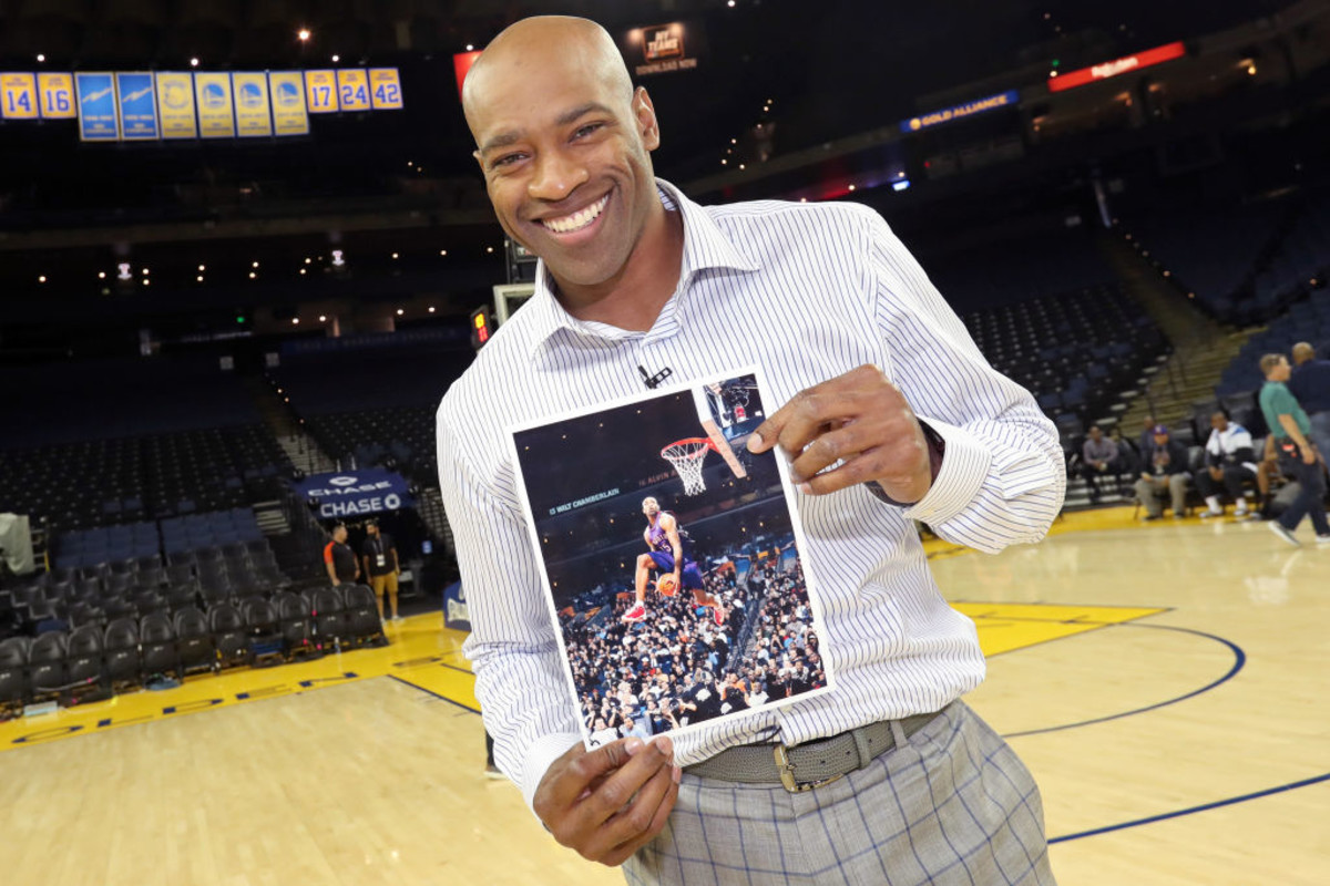 Coaches, Players, and Journalists Share Their Favorite Vince Carter Stories