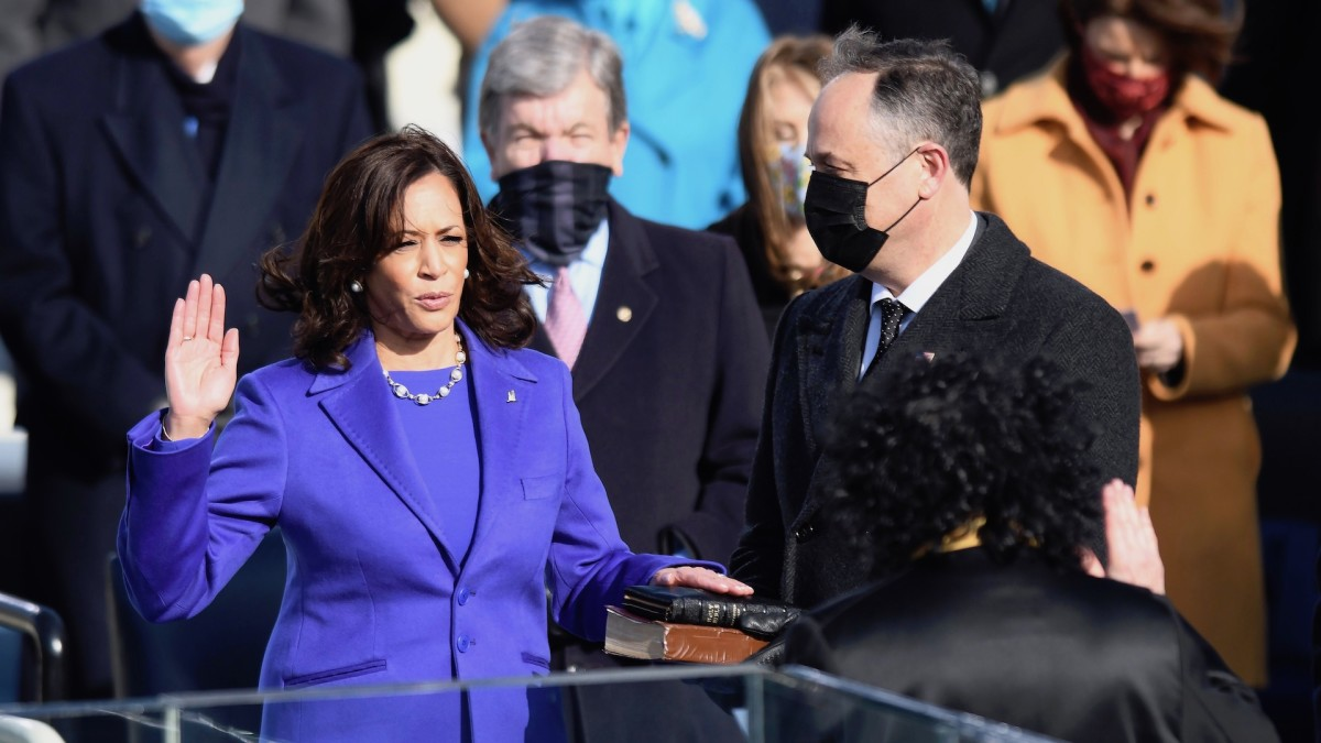 Fans Are Convinced 'The Simpsons' Predicted Kamala Harris' Inauguration Outfit
