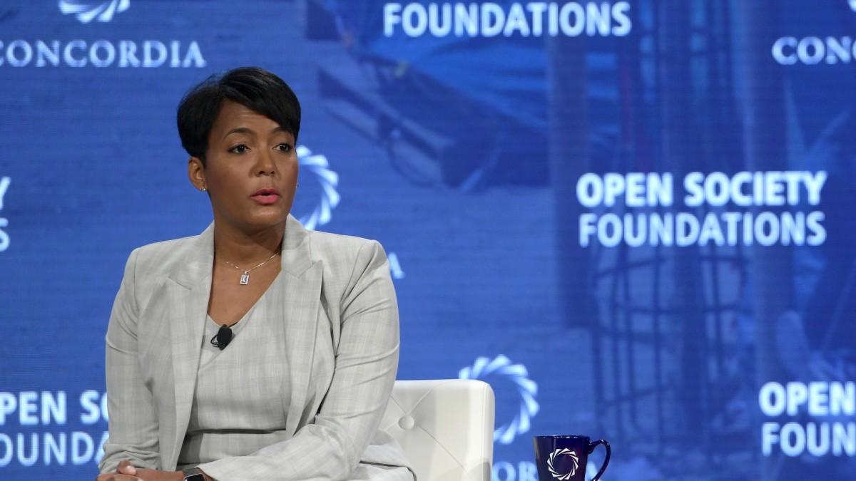 Atlanta Mayor Keisha Bottoms to Issue Face Mask Mandate in the City