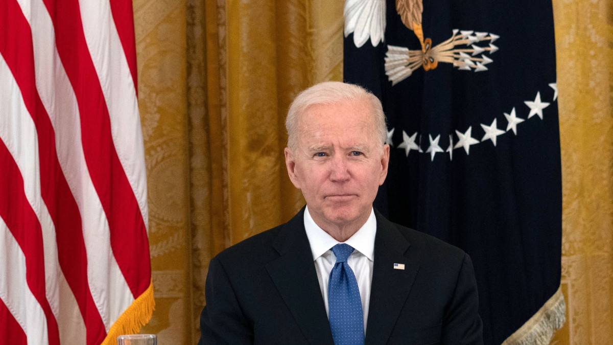 Biden reportedly exploring options to write off $ 50,000 in student loan debt