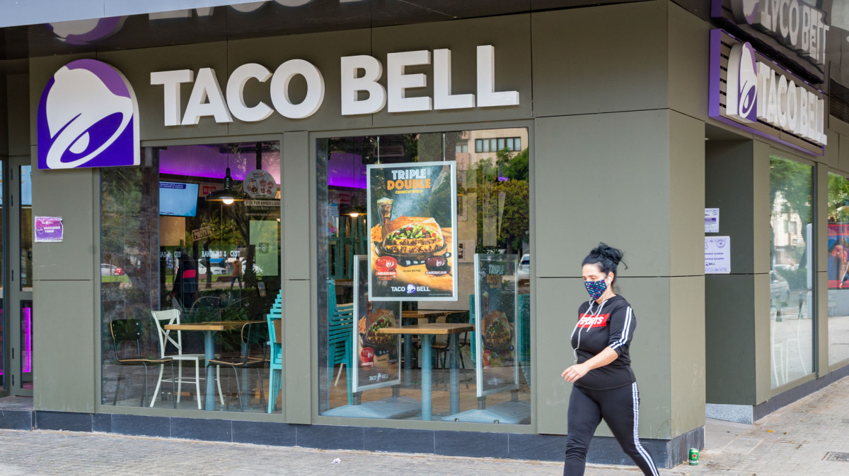 Arkansas Woman Claims She Was Fired From Taco Bell Over Past in Porn