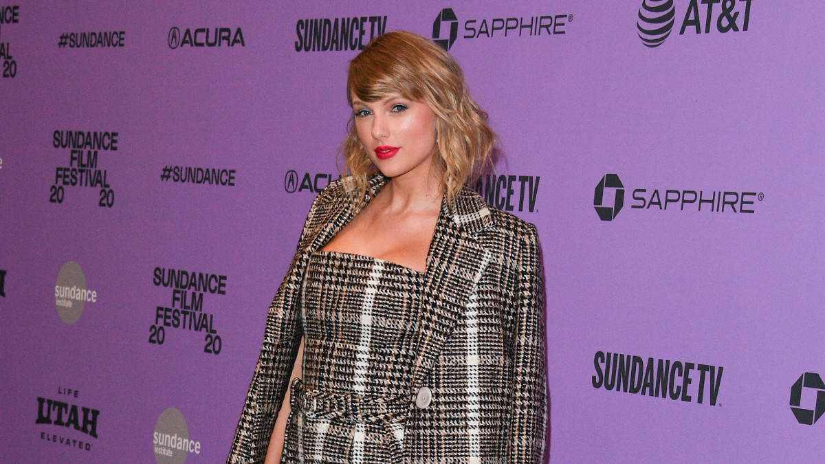 """Here's Why Fans Think Taylor Swift Took a Shot at Kanye West on Her Song """"Peace"""""""