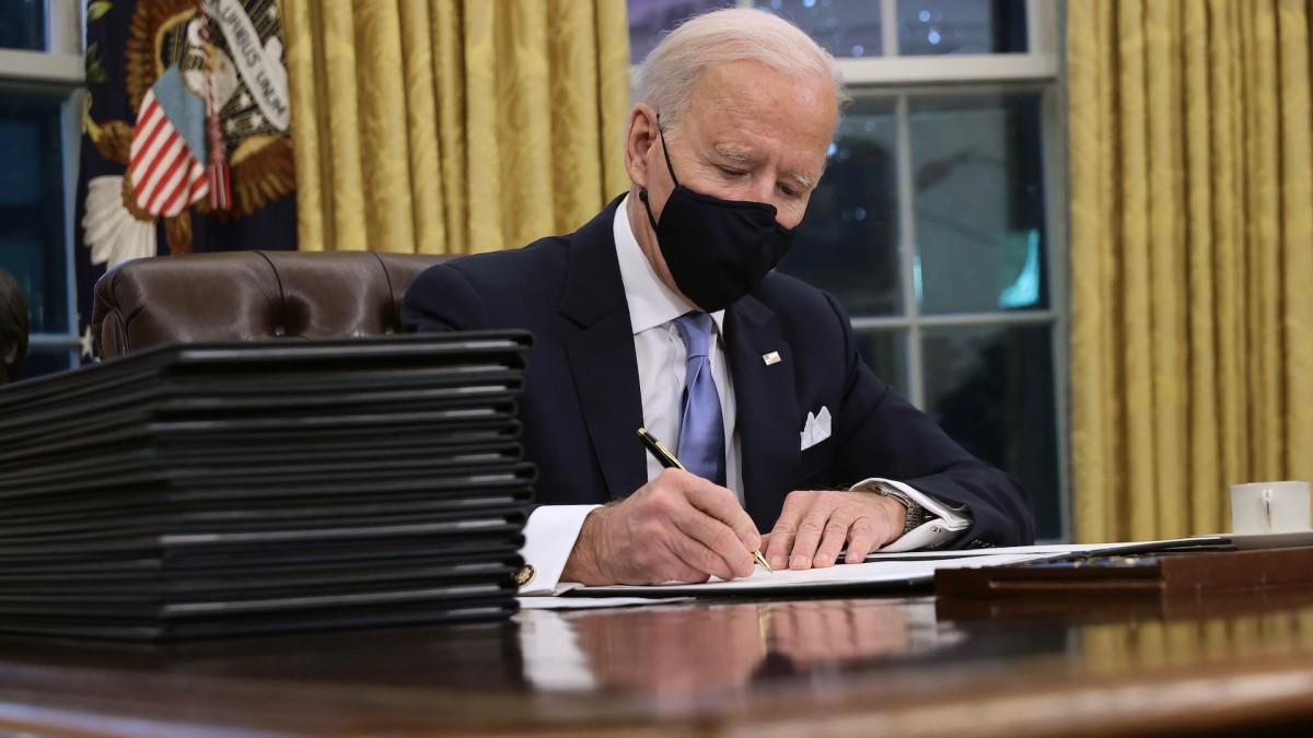 Biden Signs Executive Orders to Reverse Trump's Signature Policies