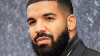 Drake photographed in 2019