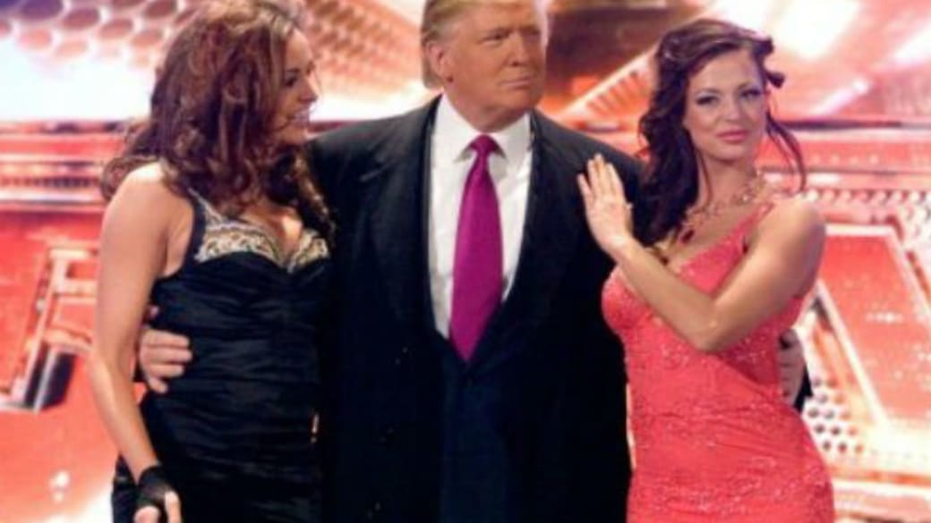 Donald Trump with women on Raw