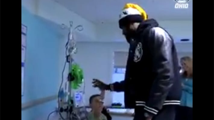 Here's LeBron's Response to a Kid in the Hospital Asking Him to Dunk on Lonzo Ball