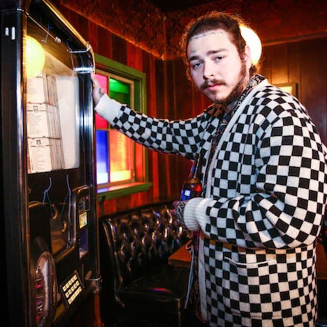 Beerbongs Bentleys Post Malone: Post Malone Reveals Release Date For 'Beerbongs & Bentleys