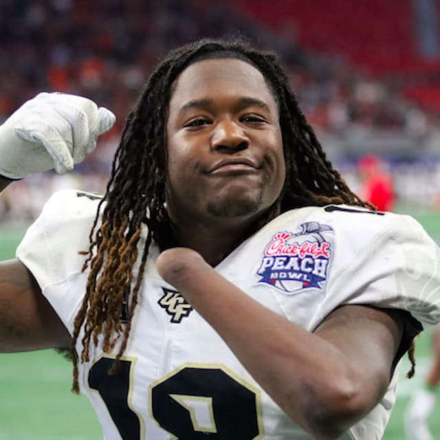 Watch Ucf S Shaquem Griffin Bench 225 Pounds For 20 Reps