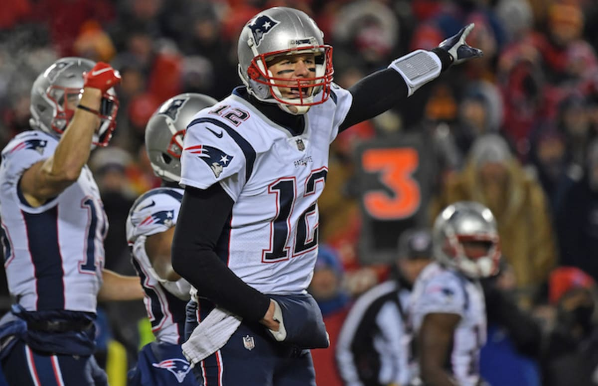 It Looks Like a Rogue Fan Shined a Laser Pointer at Tom Brady During AFC Championship Game