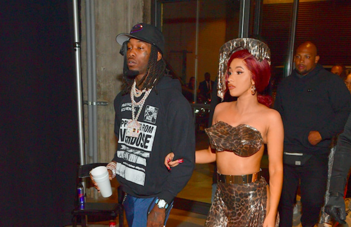 Cardi B Gives Offset A Lap Dance Onstage At Bet Awards: Cardi B And Offset Vacation Together In Puerto Rico