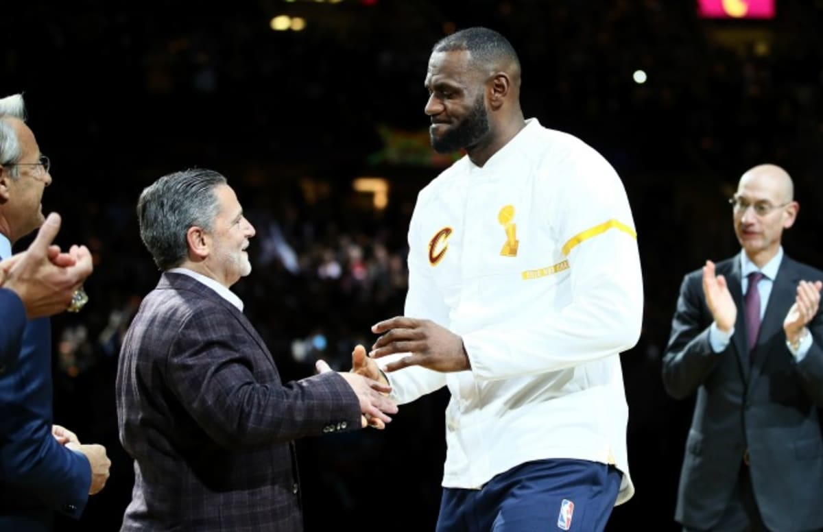 371d1636622c LeBron James Subtweets Dan Gilbert After Cavaliers Part Ways With GM David  Griffin
