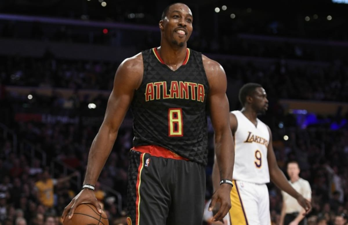 Dwight Howard Restrained After Confronting Lakers Fan Who Yelled