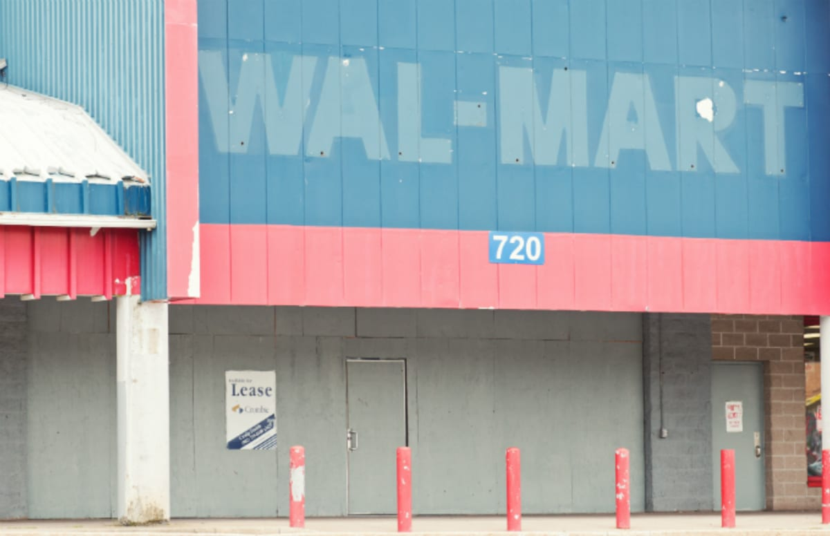 Walmart Car Service Center: Walmart Reportedly Considering Netflix-Like Streaming