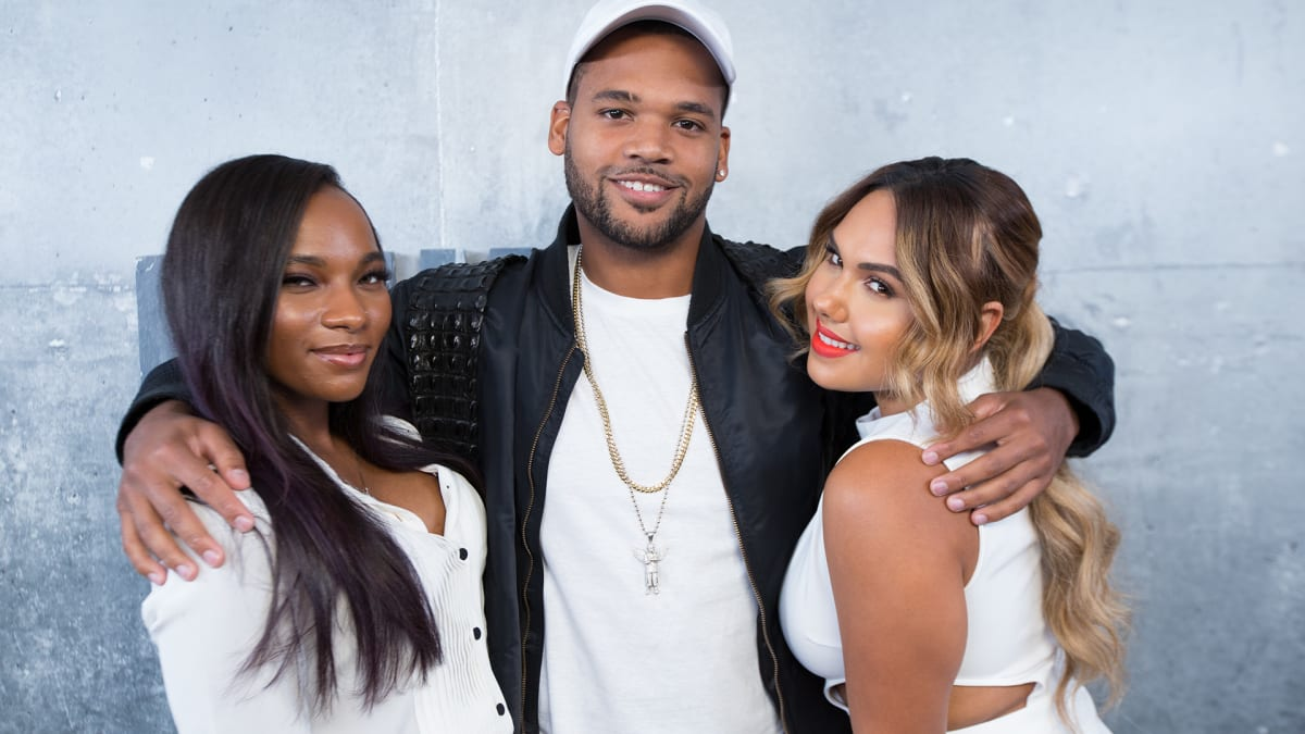 The 'Cast of Growing Up Hip Hop' Talks Season 2 | Complex