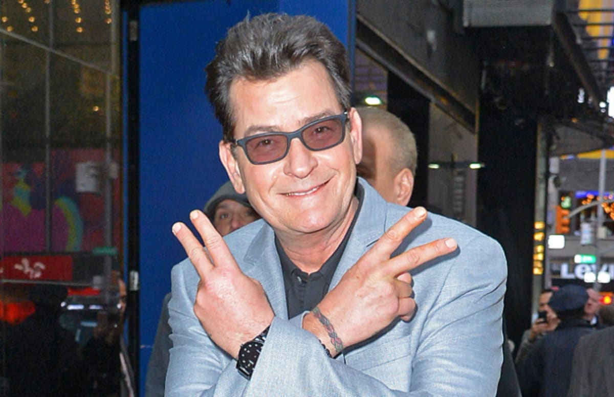 Charlie Sheen Says He S Blacklisted And Can T Afford
