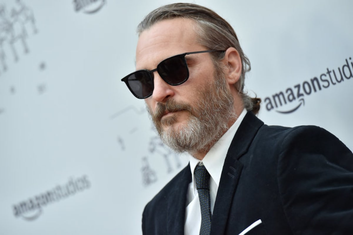 The First Photo Of Joaquin Phoenix's 'Joker' Is Incredibly Unsettling
