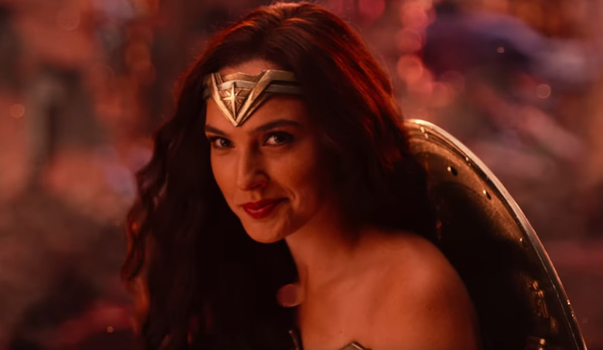 Warner Bros Releases New Justice League Trailer Complex