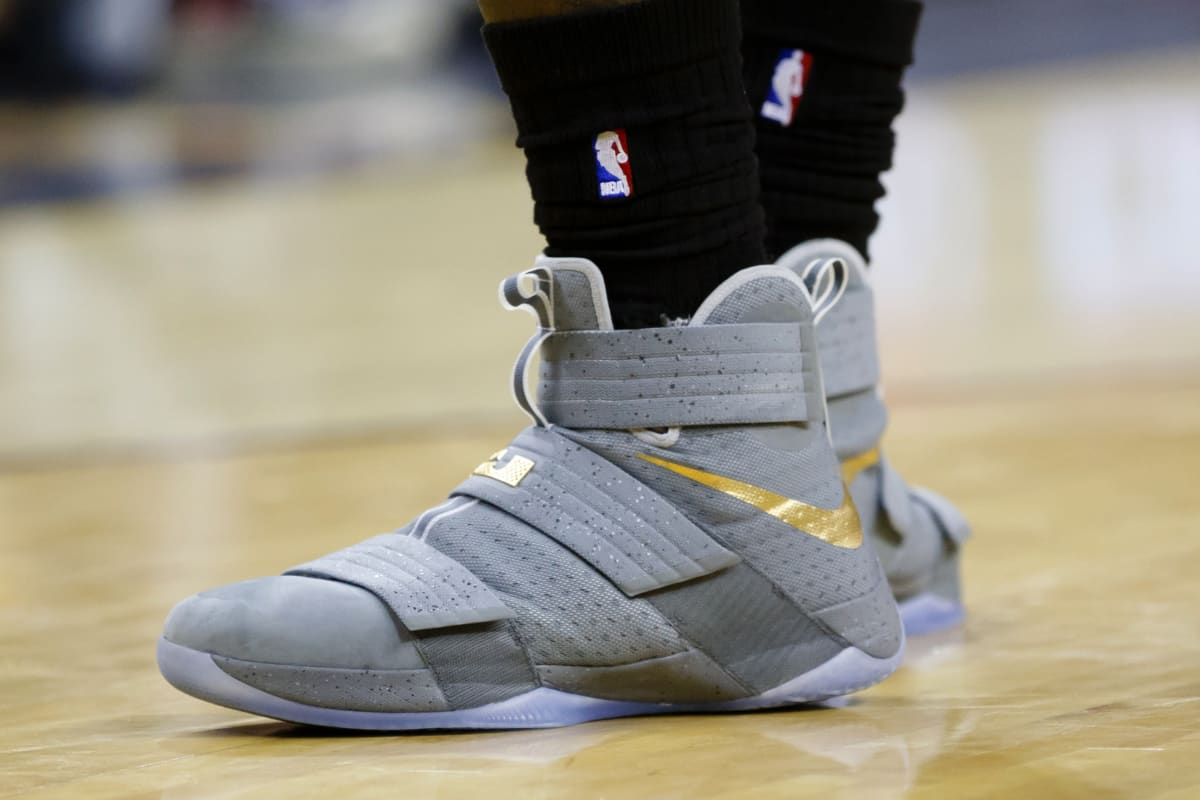 separation shoes 530bd 630b9 The Best Sneakers From the NBA s 2016 Opening NIght   Complex The Best  Sneakers From the NBA s 2016 Opening NIght   Complex  nike lebron soldier 9  vert rose ...