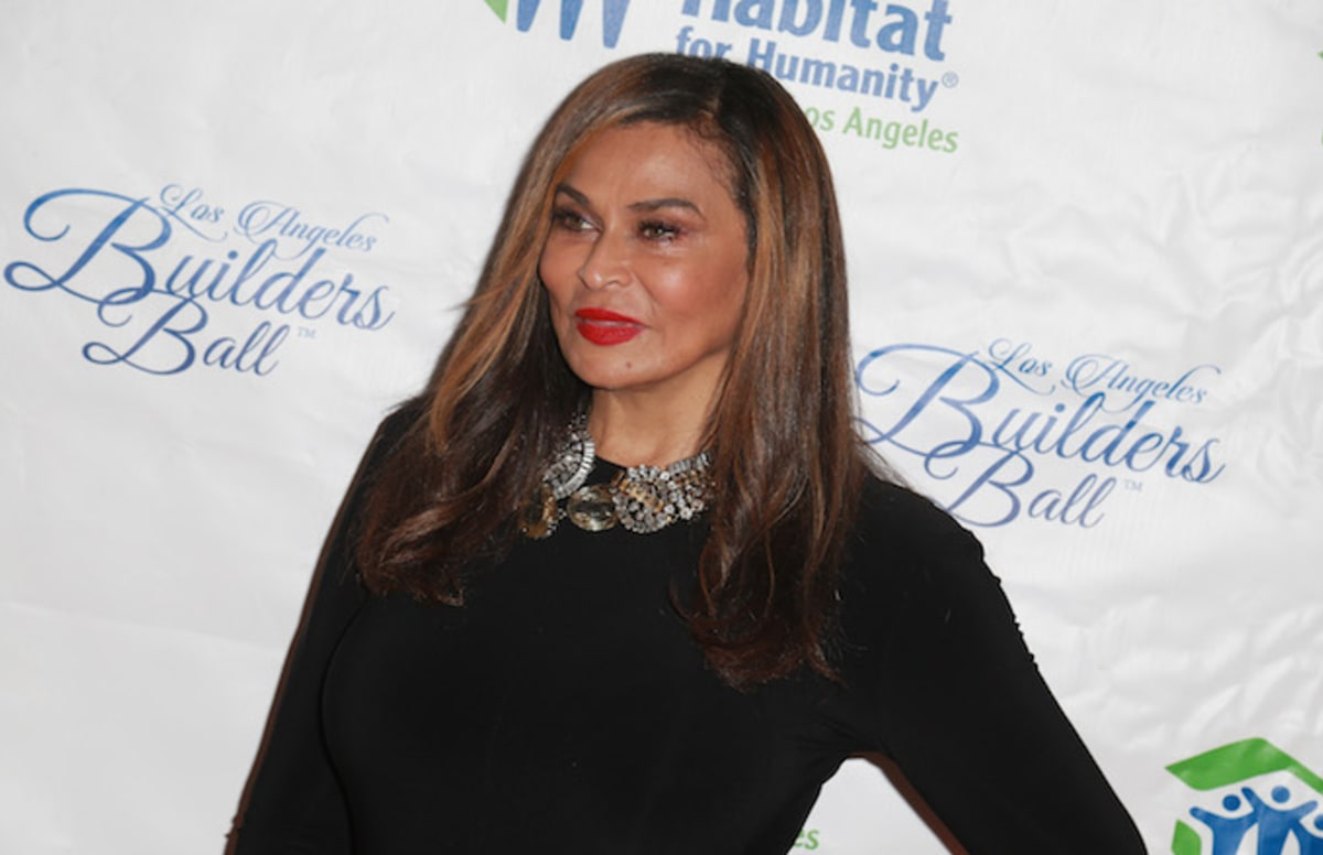 Looks Like Beyonce's Mom Tina Knowles Responded to Tomi Lahren's Kaepernick Criticism
