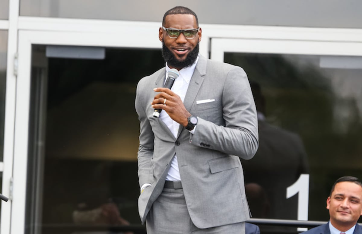 030010a64f44 LeBron James Set to Produce New Showtime Docu-Series  Shut Up and Dribble