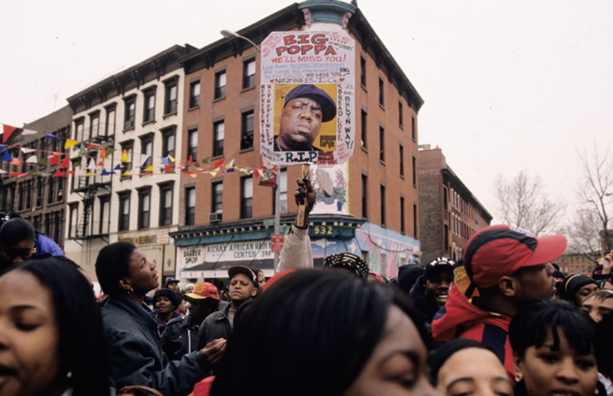 the life of biggie smalls A biography of christopher wallace, best known as the notorious big or biggie smalls get familiar with one of the greatest rappers of all time.