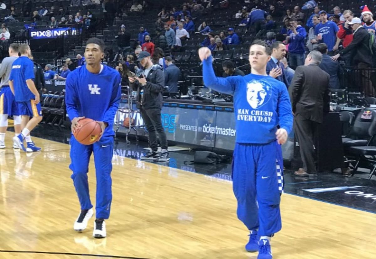 "Three Reasons Kentucky Basketball Might Have One Of Its: Kentucky's Brad Calipari Rocks ""Man Crush Everyday"" Warmup"