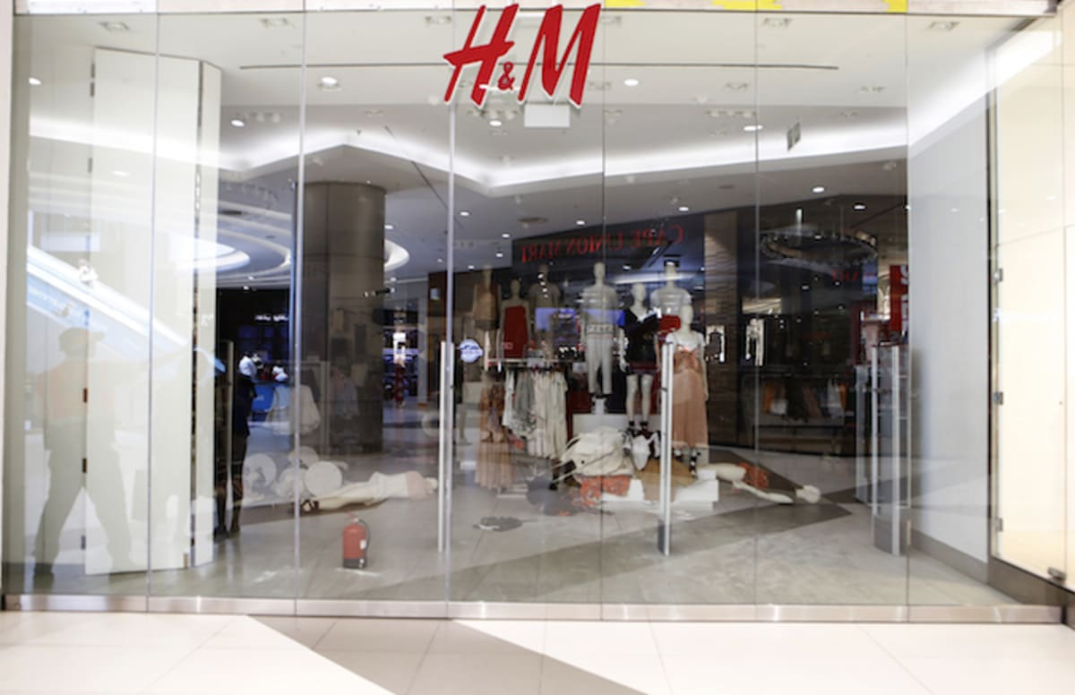 South African Protestors Completely Trash H&M Store in Johannesburg