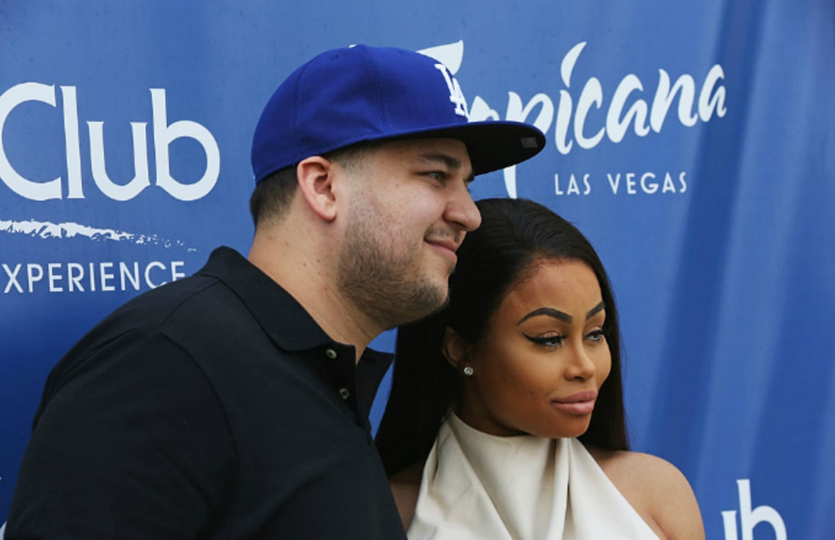 Rob Kardashian Posts Nsfw Pics Of Blac Chyna And Claims -8609