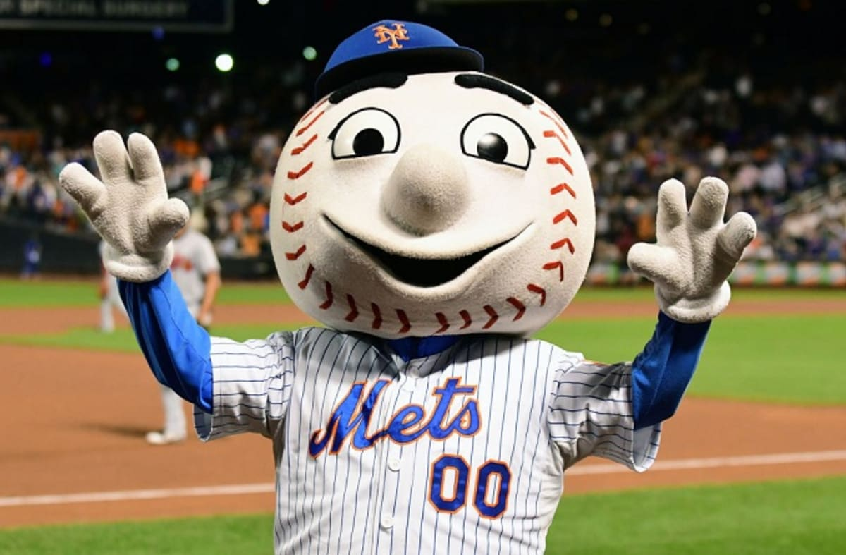 Mr Met Tweets Some Wwe Style Smack At The Rock Complex