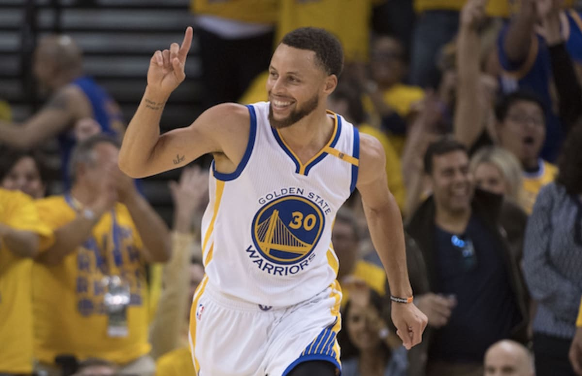 Steph Curry to Re-Sign With Warriors for $201 Million Over Five Years and People Feel He ...