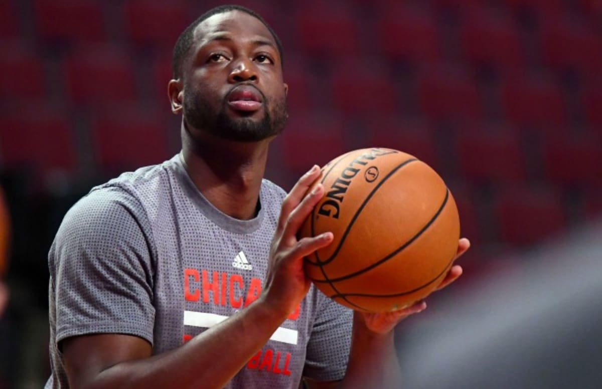 61a6828dfc69 Dwyane Wade Finally Explains Why He Didn t Sign With LeBron James and the  Cavs