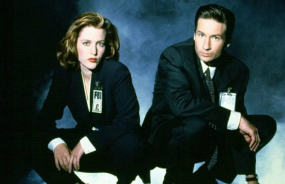 scully and mulder dating in real life It's been two decades since fbi special agents mulder and scully first teamed up to  if mulder and scully were ever to go on a real-life  popular uk dating .